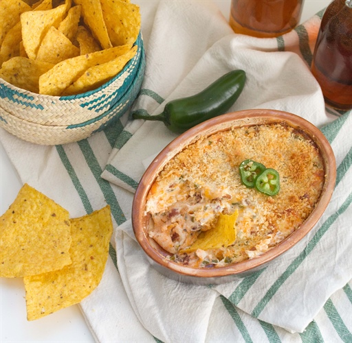 Bacon Jalapeno Popper Dip... perfect for your game day party!